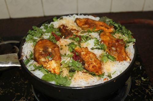 YUMMY TUMMY: Fish Briyani / Fish Dum Briyani / Spicy Fish Briyani Recipe