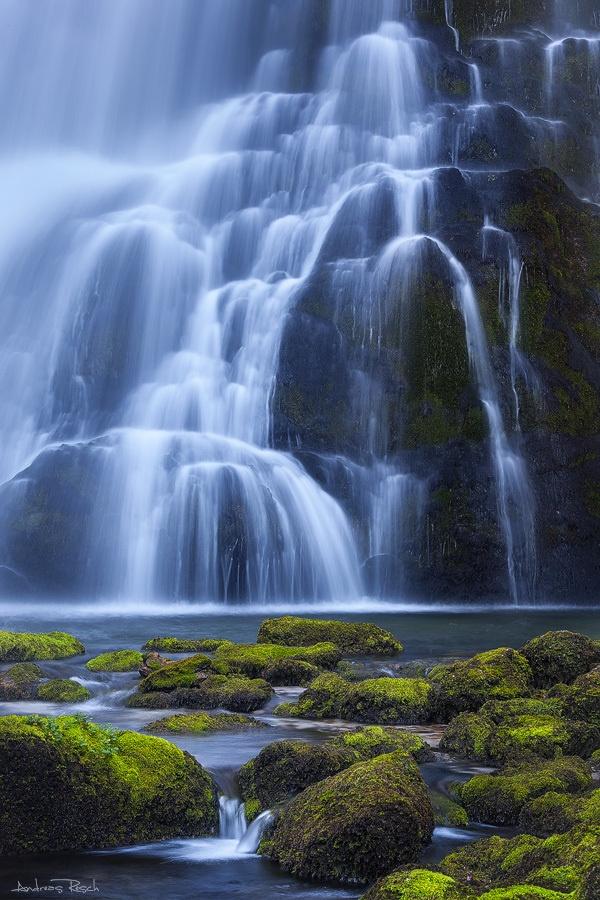 Großer Wasserfall (Deamons Gebbygescvhenk für Zara)