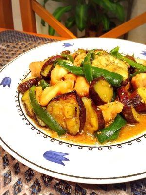 楽天が運営する楽天レシピ。ユーザーさんが投稿した「ガッツリ!茄子と鶏肉のニンニク味噌炒め」のレシピページです。白ごはんがどんどんススム、ガッツリ味の炒め物レシピです。ニンニク味噌の合わせダレで絡めた、パンチある1品!!。ガッツリ!茄子と鶏肉のニンニク味噌炒め。鶏肉,茄子,ピーマン,★味噌,★酒,★醤油,★砂糖,★おろしニンニクチューブ可),すりごま