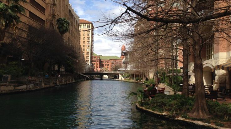 With its shade and water, the San Antonio Riverwalk might have been the only tolerable place to be outdoors in the Alamo City on Feb. 21, 1996, when the mercury topped out at very un-winterlike 100 degrees. (Photo credit: Nick Wiltgen/The Weather Channel)