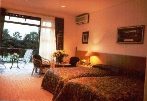 The White River Golf lodge is a lavish accommodation situated in Mpumalanga, providing excellent service and encouraging many guests to return.