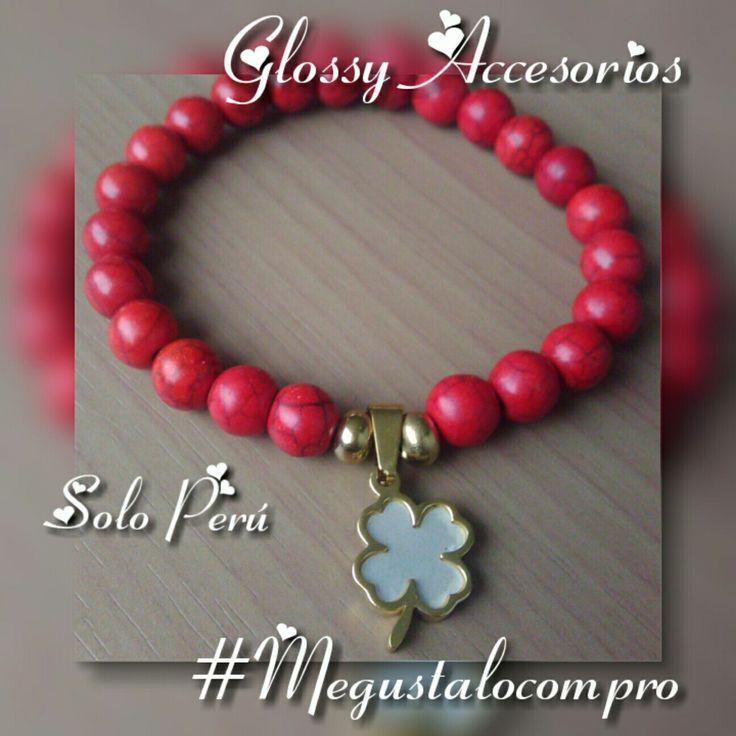 Glossy accesorios  Perlas chinas en rojo con el trébol de la suerte  Pedidos al 981369114