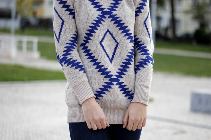 Outfit | Tribal sweater