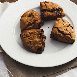 (Vegan) Rye Gingerbread Scones- a breakfast take on the Dutch groninger koek (gingerbread)