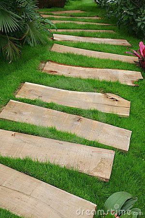 best 25 pallet path ideas on pinterest pallet walkway rustic pathways and wood pathway. Black Bedroom Furniture Sets. Home Design Ideas