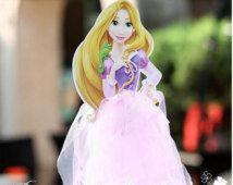 aggrovigliato Tulle Cake Topper ~ Rapunzel centrotavola ~ principessa party ~ Rapunzel ha ispirato la decorazione ~ Tangled Rapunzel torta topper ~