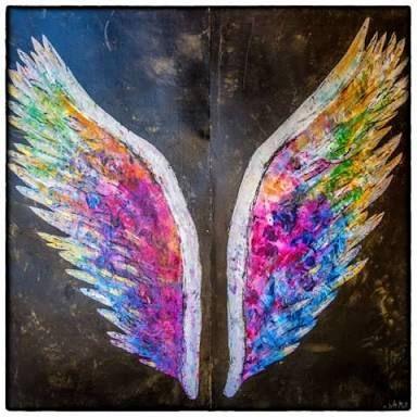 Resultado de imagem para graffiti asas coloridas
