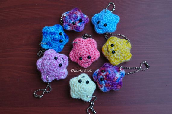 Kawaii amigurumi stars available in different colors (on YapiHandmade Etsy store)