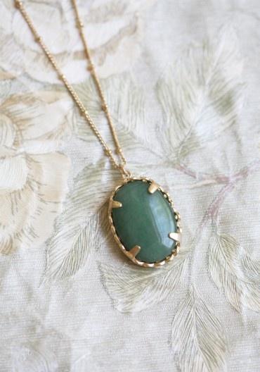 Jade Pendant Necklace.: Vintage Accessories, Pendants Necklaces, Sweet Blessed, Jade Pendants, Vintage Bridal, Blessed Necklaces, Modern Vintage, Vintage Necklaces, Vintage Jewelry