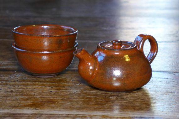 Set da tè in argilla di alta-ferro da di PotterybyIngeNielsen