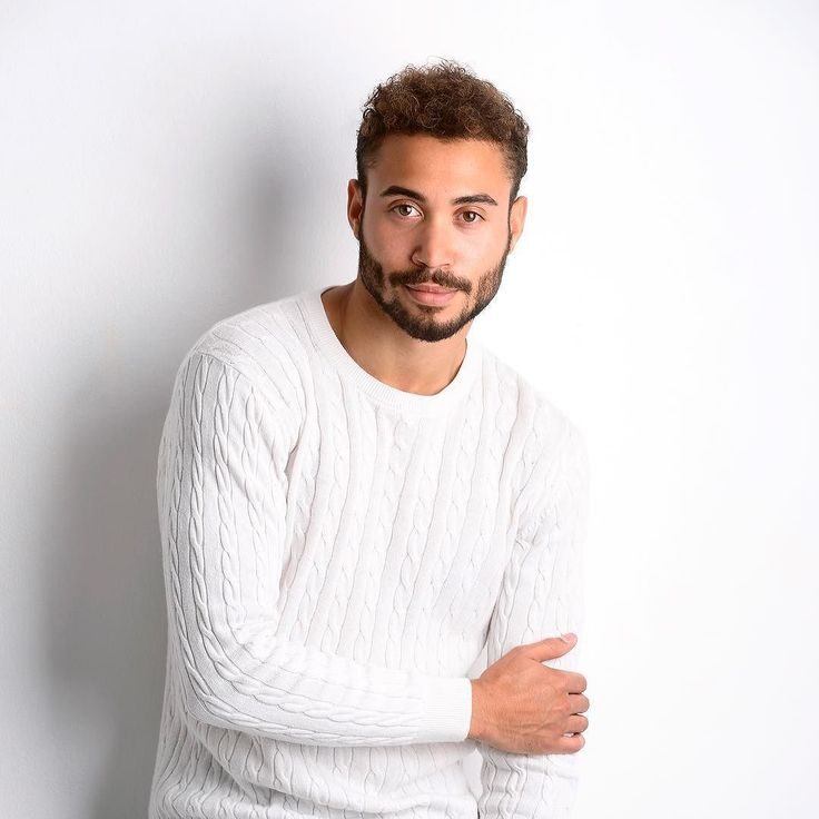 Sure I'd love to meet your parents! . . . . . #casual #profilepic #profile #photoshoot #birmingham #modeling #modelshoot #instapose #instaboy #mensstyle #menshair #beard #beardstyle #beardedman #boyband #youtube #vlogger #cheekynandos #wheresstu