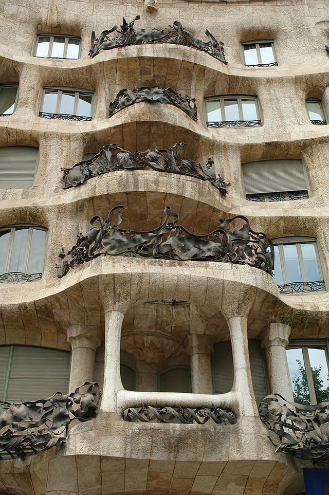 la pedrera casa mila by gaudi balconies and ironwork gaudi sagrada barcelona pinterest. Black Bedroom Furniture Sets. Home Design Ideas