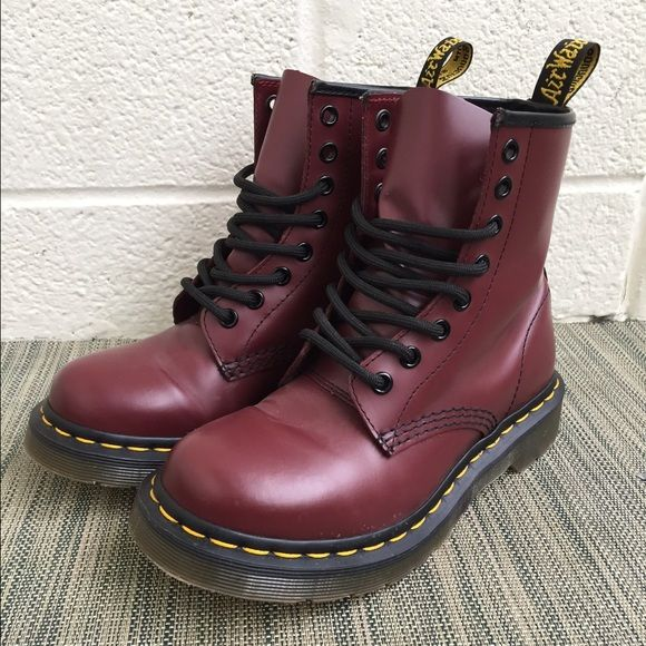 cherry red doc martens doc martens smooth and red doc martens. Black Bedroom Furniture Sets. Home Design Ideas