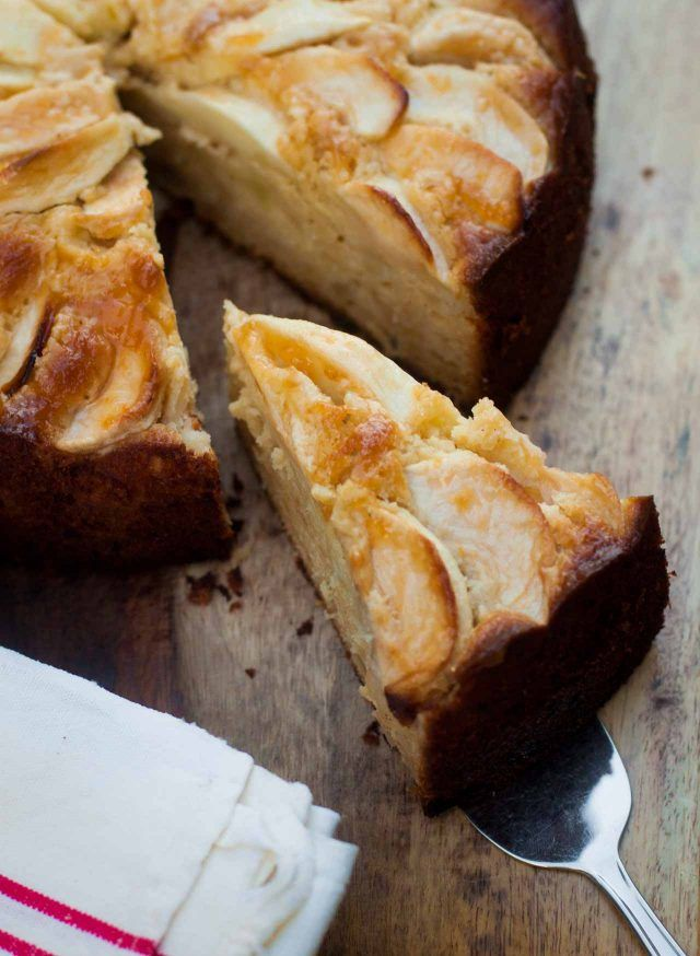 Apple Almond Cake - a super-moist cake loaded with apples and almonds!