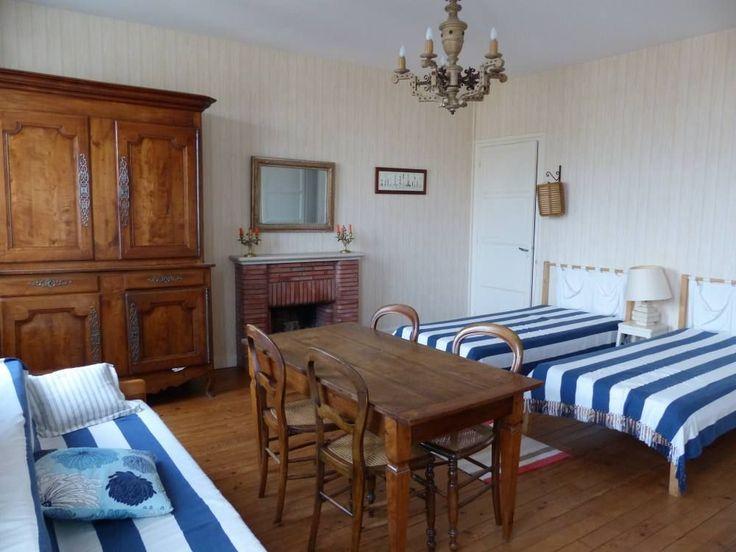Location vacances maison Royan: chambre sur rue