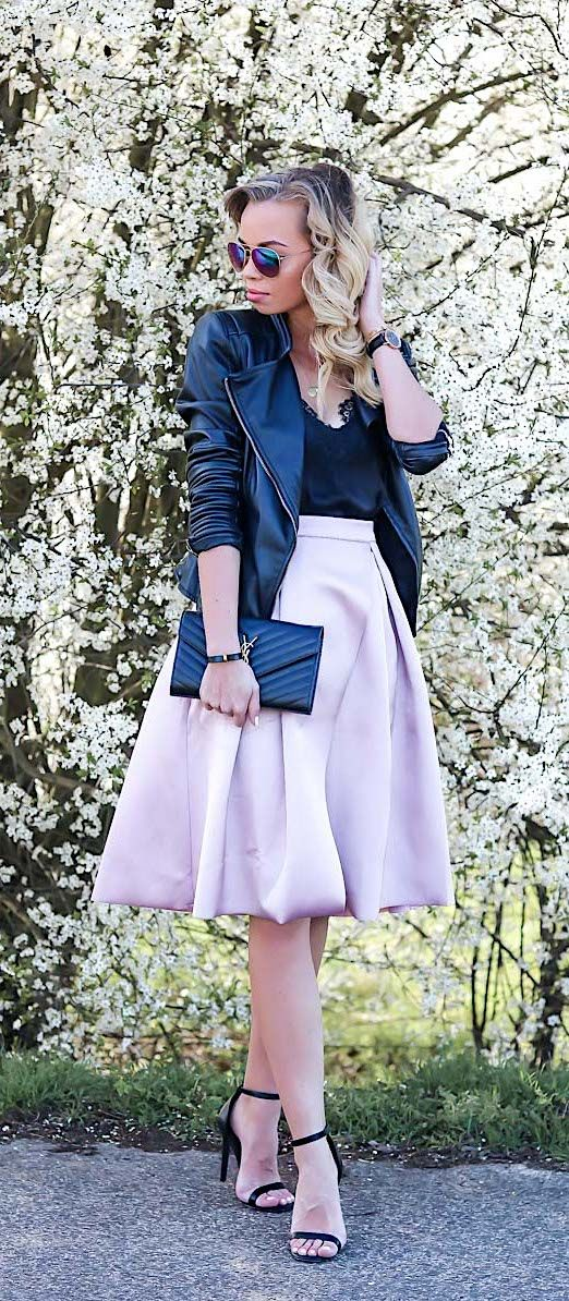 Outfit: Feeling a little like Carrie Bradshaw with this pink skirt, the Cami Top, single strap heels and leather jacket. www.my-philocaly.com