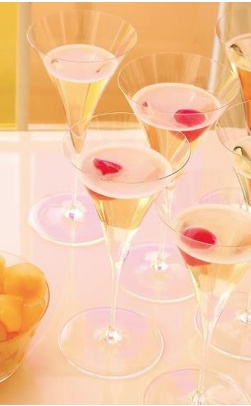 "Dazzling Drinks with Lobmeyr ""Ambassador"" crystal wineglasses. Shop now https://boulesse.com/en/product/425/Lobmeyr/Champagner-Martini-Glass-Ambassador-Oswald-Haerdtl-1925-"