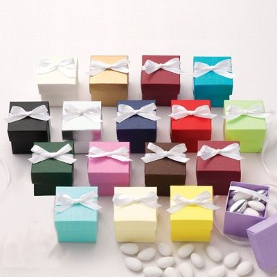 Exclusively Weddings' two-piece colorful wedding favor boxes are an elegant way to showcase sweet treats for your wedding guests.