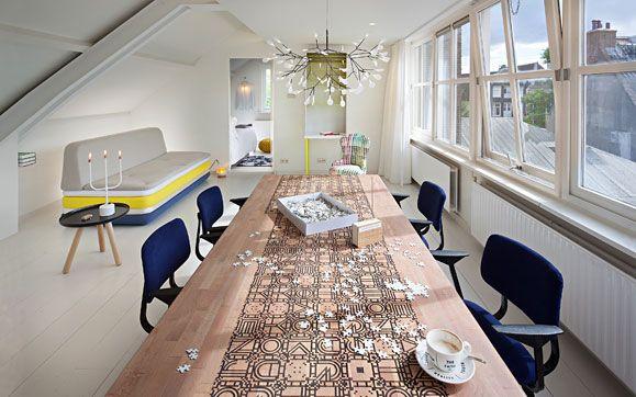 Netradiční hotel jen s jedním pokojem, kam můžete přijít na pití, na jídlo, na výstavu nebo třeba nakupovat. | Hôtel Droog - Amsterdam