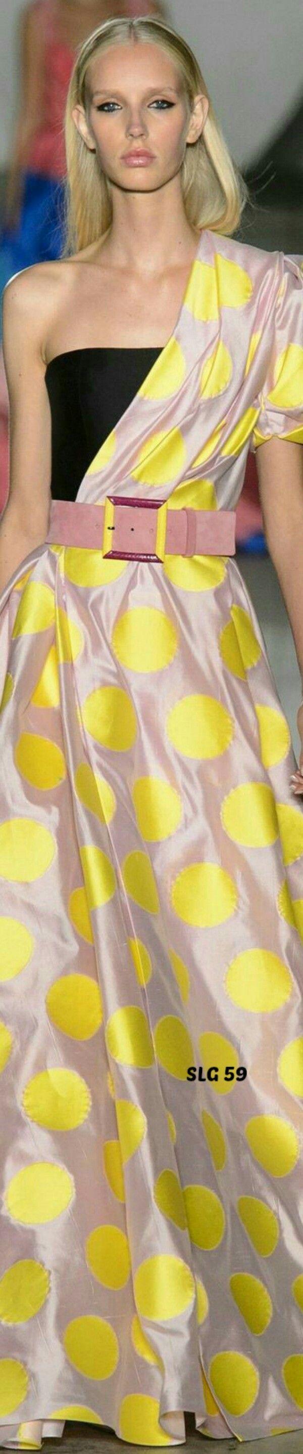 Carolina Herrera SS 2018 #perfumes #perfume #michaelkors #carolinaherrera #perfumeimportado