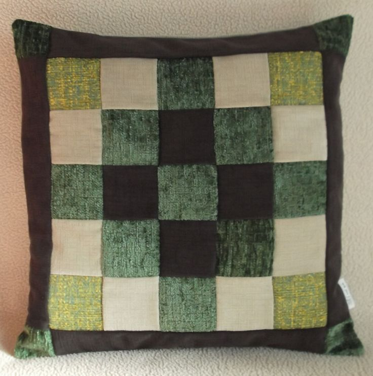 Cuscino cm 42x42, PEZZO UNICO, in velluto verde marrone e beige - Pillow patchwork 16,5x16,5 inch UNIQUE , green brown and beige velvet. di RITALYstyle su Etsy