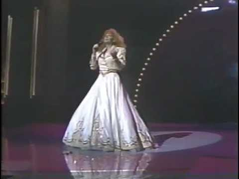 Reba McEntire - For My Broken Heart - 1991 Country Awards.