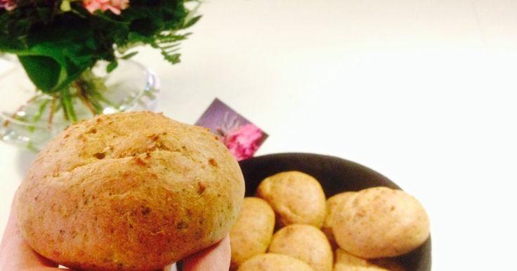 På CDJetteDCs finder du opskriften på de lækreste, luftige broccoliboller. De er ikke som grøntsagsbollerne på Sense kostretningen, da de indeholder knapt så meget broccoli og er udviklet på basis af en vandbakkelsesdej. Prøv dem og døm selv. Der er meget mere inspiration på bloggen, og jeg udvikler hele tiden nye lowcarb, glutenfrie, kornfrie og sukkerfrie bageopskrifter.