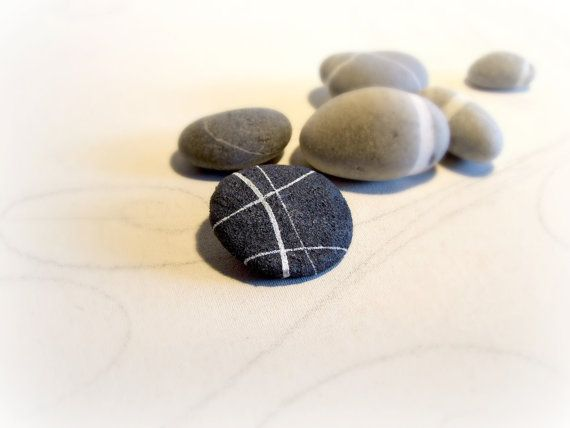 Round sea pebble brooch Recycled paper jewelry by Sognoametista