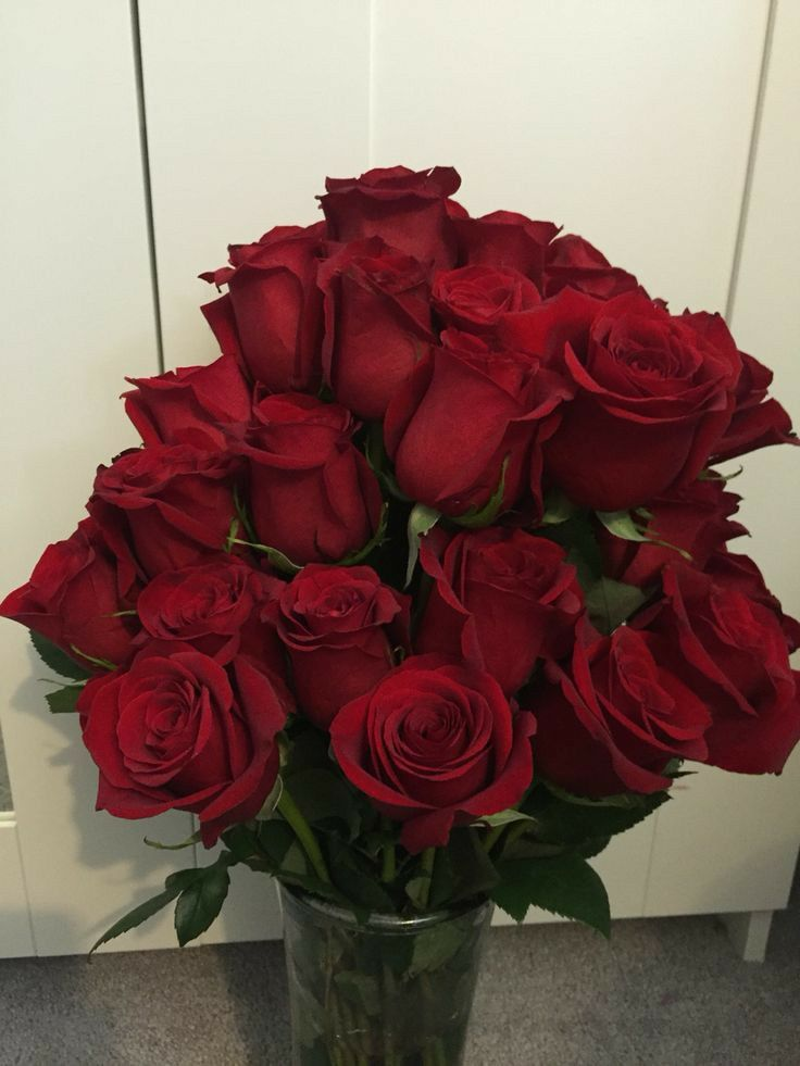Pin By Narrr On Flower Red Rose Bouquet Flowers Bouquet Gift Love Rose Flower