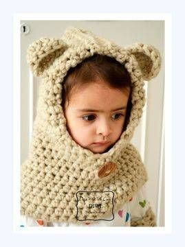 Diese Teddy Haube ist handgearbeitet und für den höchsten Komfort sowie viel Wärme designed.  Mit dieser Boshi machen Sie ein wunderschönes Geschenk und natürlich etwas besonderes für Ihre Kleinen...