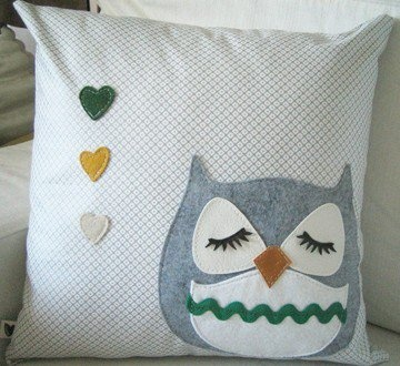 Chewy the Owl Cute Vintage Inspired Light Grey Japanese by Cuore...maybe Z's instead of hearts.