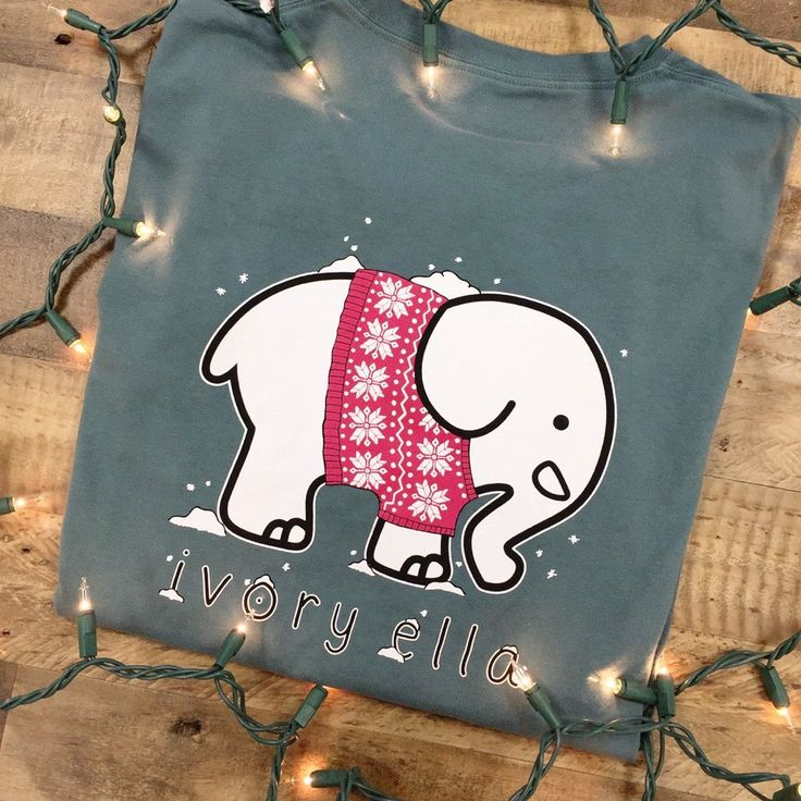 Silver Pine Sweater Party Tee size s