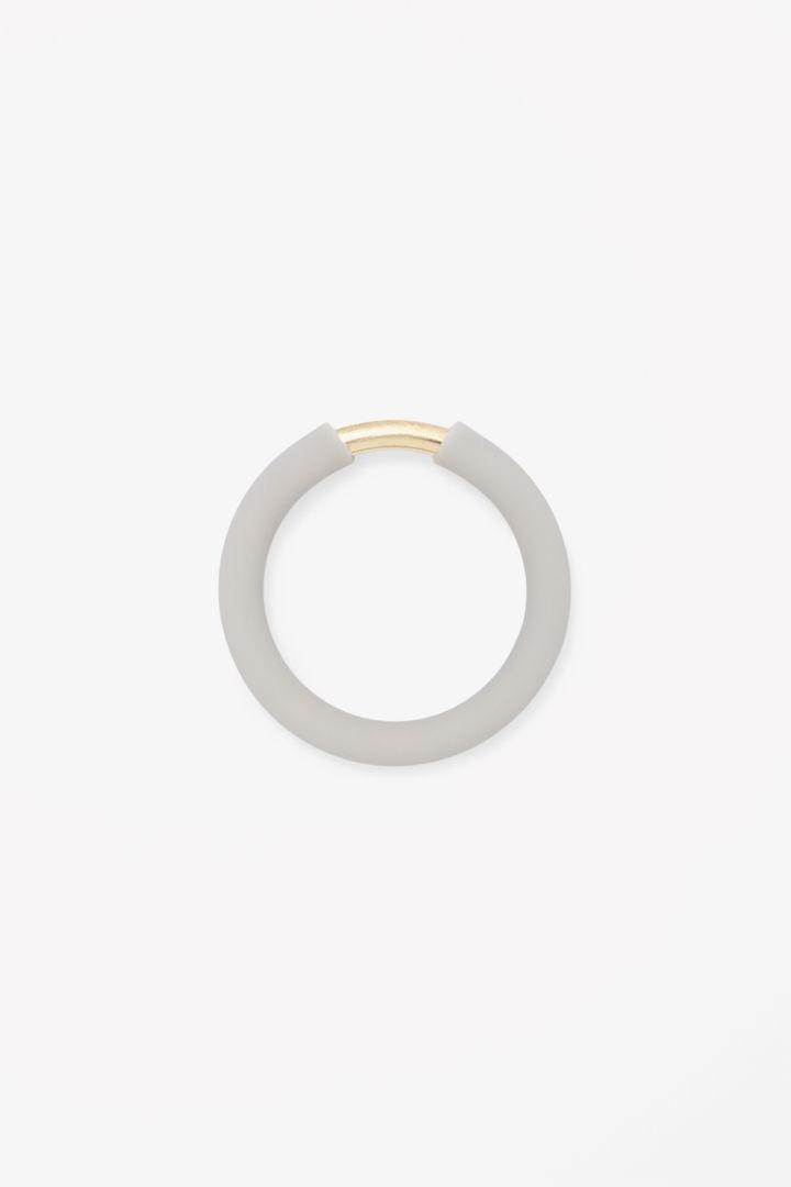Rubber and metal ring - minimalismo estremo <3