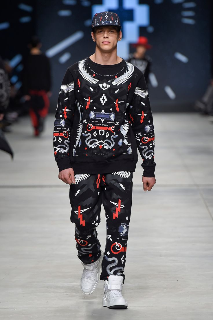 Marcelo Burlon County of Milan - Fall 2015 Menswear - Look 17 of 56