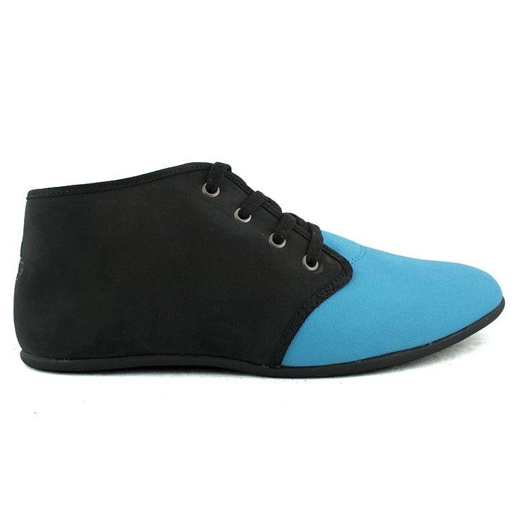 Najnowsza wiosenna propozycja dla wszystkich Pań ceniących sobie luźny i wygodny styl.  Lekkie sportowe buty wykonane z materiałów tekstylnego i skóropodobengo.  Kolor: czarno-niebieski  Cena: 149 zł
