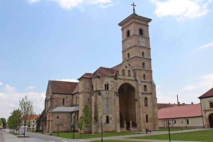 CHURCH IN ALBA IULIA by mircea.fotograf.az