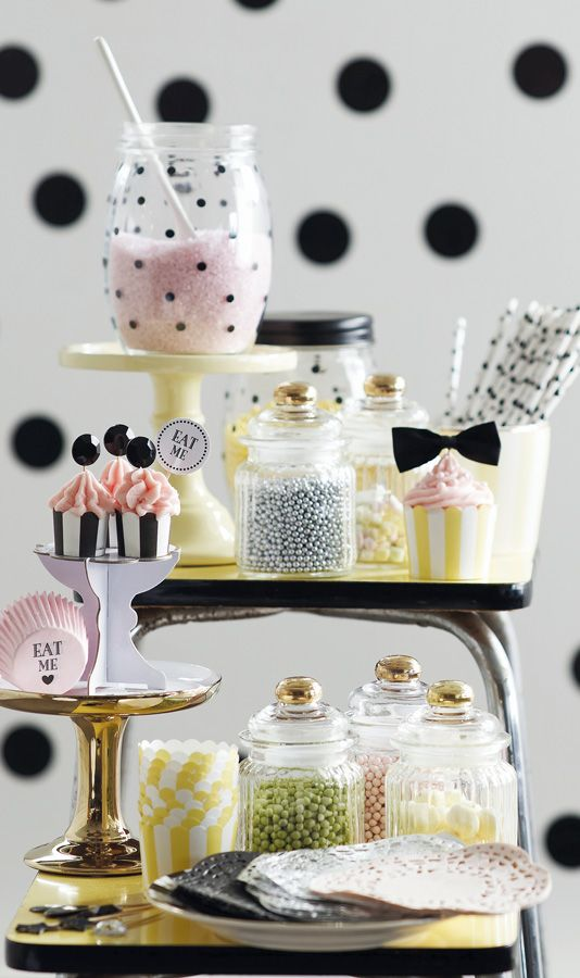 Super leuk voor een #sweettable Miss Etoile available at www.little-nordic.com