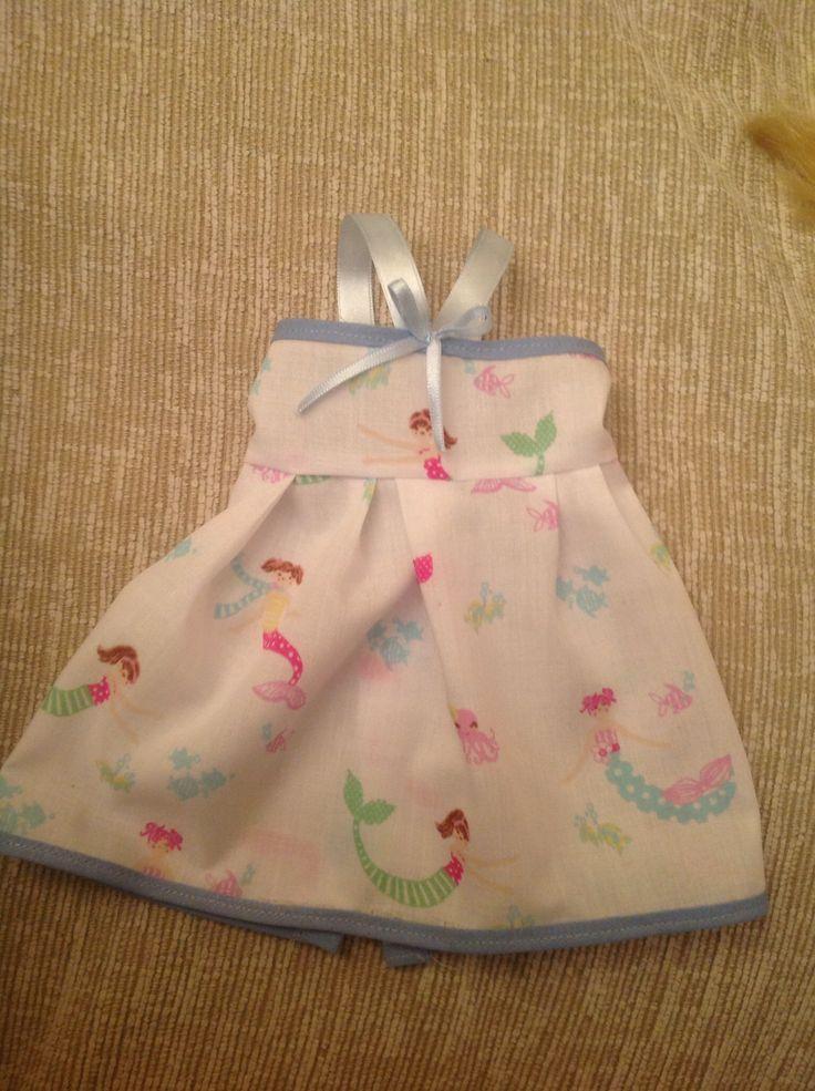http://blog.peekaboopatternshop.com/2014/04/15-doll-dress-pattern.html
