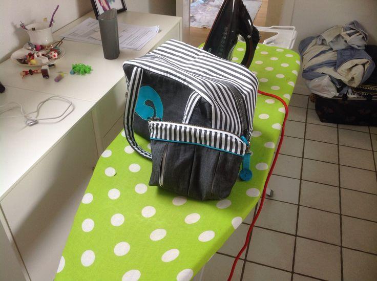Toilet taske og kosmetik taske syet af et  little Juno dynebetræk