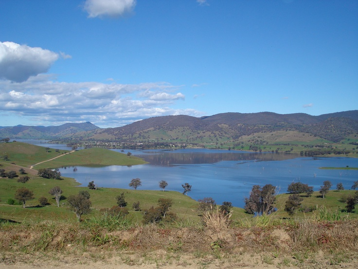 The Hume Weir looking towards Tallangatta. A lovely Spring drive I took one afternoon.