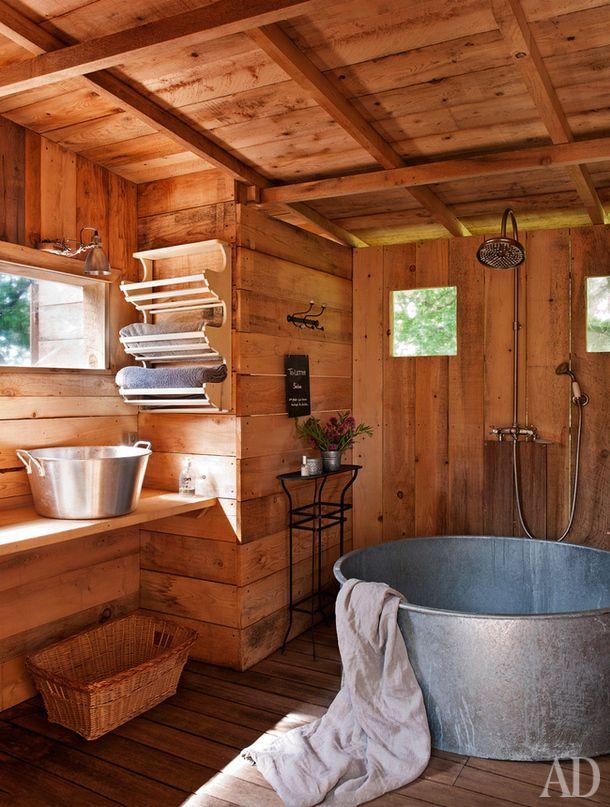 Как расположить ванну: 23 идеи