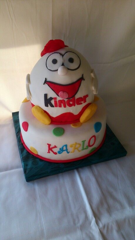 Kinder surprise 3d cake!