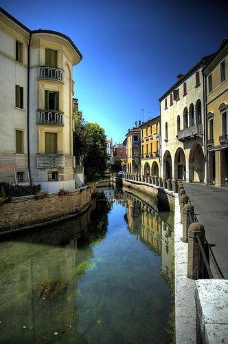 Via Roggia, Treviso | Italy (by pjfranz) Veneto