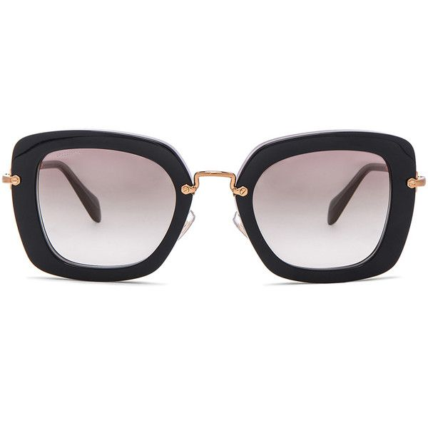 Miu Miu Oversized Square Sunglasses (5.147.935 IDR) ❤ liked on Polyvore featuring accessories, eyewear, sunglasses, glasses, sunnies, oversized eyewear, oversized square sunglasses, over sized sunglasses, miu miu eyewear and square lens sunglasses