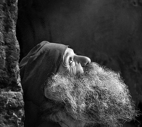 Dacă postim, dar nu luăm aminte la GÂNDURI și la CUVINTE, și nu păzim INIMA, nu avem folos - Părintele Efrem Filotheitul   La Taifas