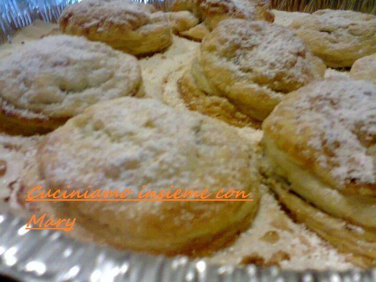Dolcetti con pasta sfoglia nutella e pan di stelle | cuciniamo insieme con Mary