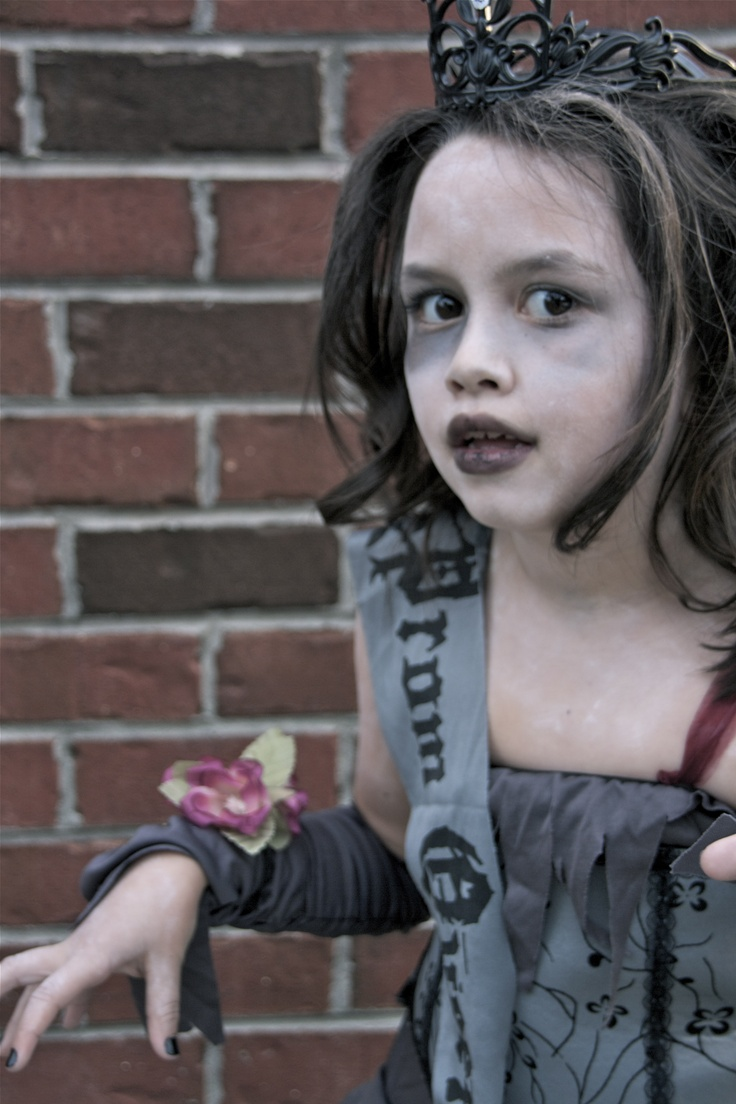 zombie Prom Queen, via Promise Photography