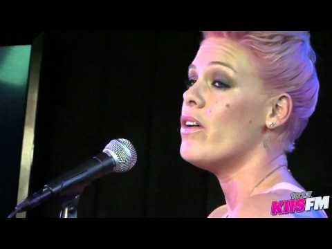 P!nk - Who Knew (Live '102.7 KIIS FM' - '104.3 MYfm Soul Studio') (HD 1080p)