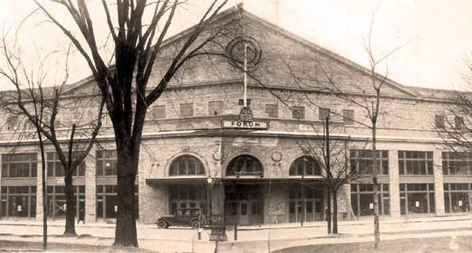 Montreal Forum - Montreal Forum in the 1930s – Public Domain