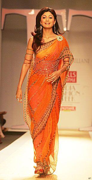 Shilpa Shetty walking for Tarun Tahiliani 2007 - love the beaded belt